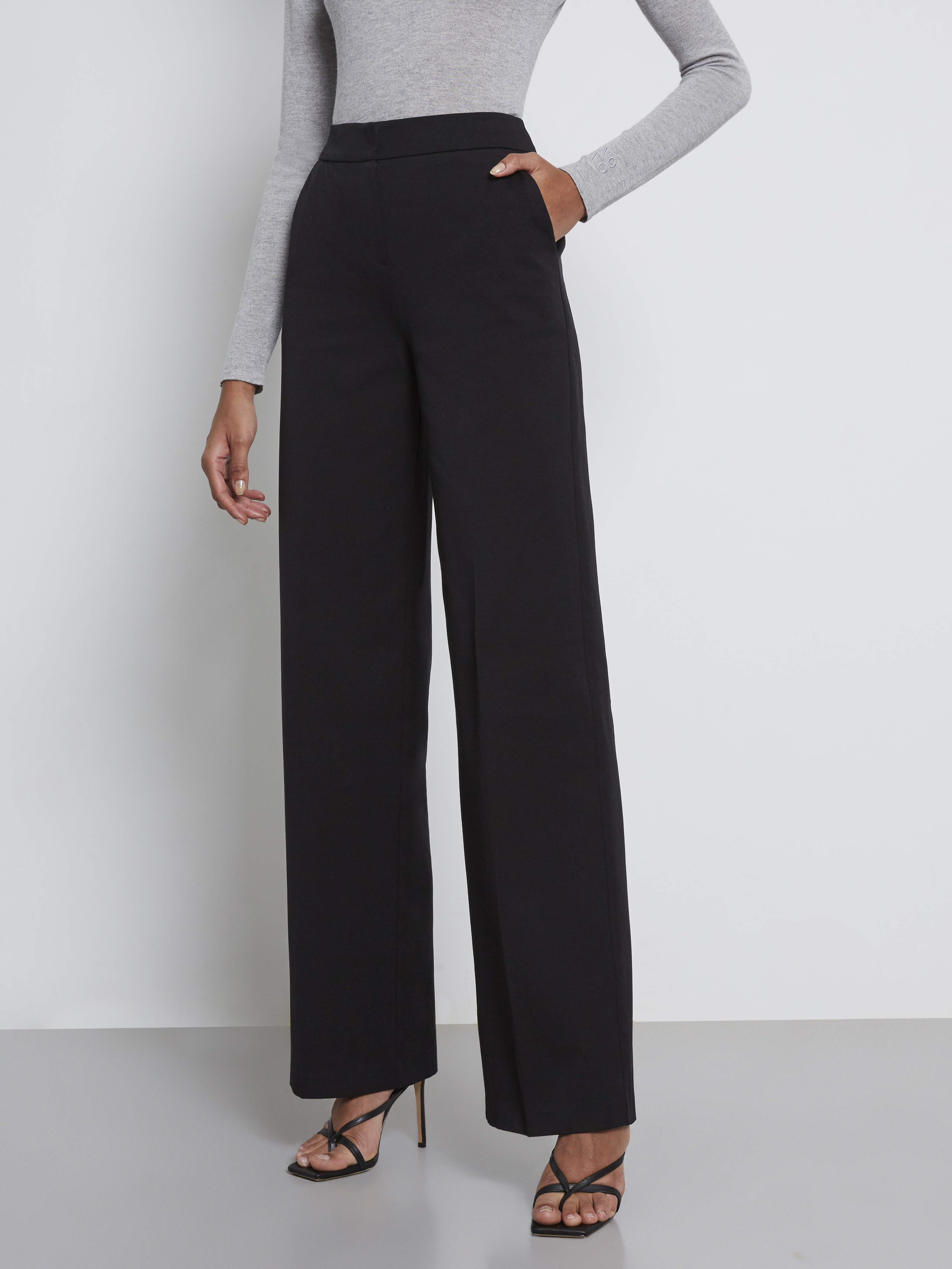 Wide Leg Cotton Pants with Pockets Perfect if you want to elevate your whole look for the day.